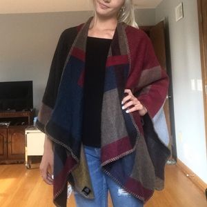 Accessories - Poncho/scarf